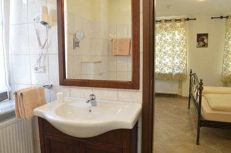 Gästezimmer 1, Bad (Dusche, WC)