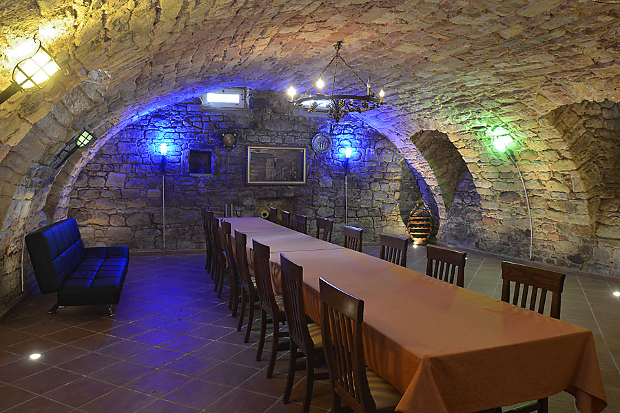 Gewölbekeller im La Corona (Maikammer) als ideale Eventlocation für Feiern oder Firmenevents