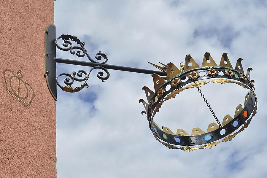 Krone / la corona
