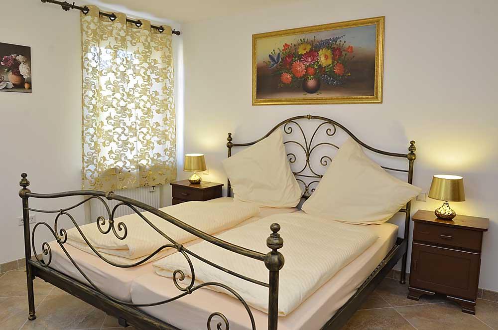 Italienisches Doppelbett